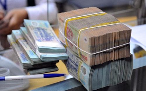 Nếu tính cả đầu tư vào trái phiếu Chính phủ, hệ  thống các tổ chức tín dụng đã cung ứng vào nền kinh tế tương đương mức  tăng trưởng tín dụng khoảng 13,91% trong năm 2012.