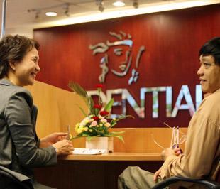 Tốp 5 doanh nghiệp bảo hiểm có doanh thu cao năm 2008 gồm: Prudential đạt 4.270 tỷ đồng, Bảo Việt đạt 3.425 tỷ đồng, Manulife đạt 1.072 tỷ đồng, AIG đạt 634 tỷ đồng, Dai-ichi đạt 585 tỷ đồng - Ảnh: Việt Tuấn.