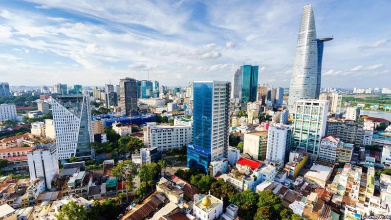 Bộ Xây dựng yêu cầu 5 tỉnh thành báo cáo tình hình người nước ngoài mua nhà Việt Nam.