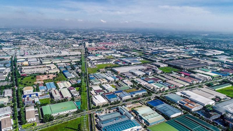 Bàu Bàng còn hưởng lợi từ tuyến cao tốc Tp.HCM - Thủ Dầu Một - Chơn Thành, cao tốc Tp.HCM - Lộc Ninh và tuyến metro thành phố mới Bình Dương - Uyên Hưng - Tân Thành.