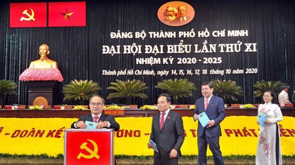 Các đại biểu bỏ phiếu bầu Ban chấp hành tại Đại hội.