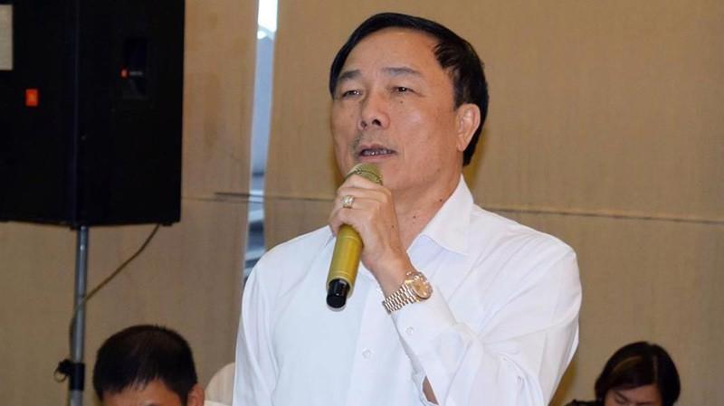 Doanh nhân Nguyễn Văn Đệ phát biểu tại hội thảo.