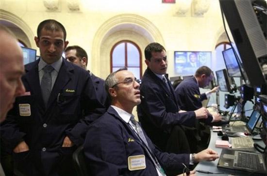 S&P 500 đã lên mức cao nhất trong 17 tháng và cũng là cao nhất trong năm 2010 - Ảnh: AP.
