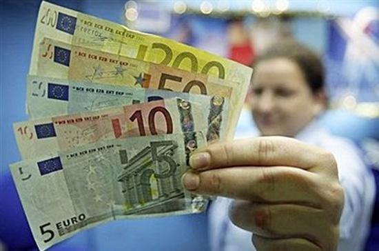 EU sẽ trừng phạt các nước thành viên có nợ công quá cao - Ảnh: AFP.