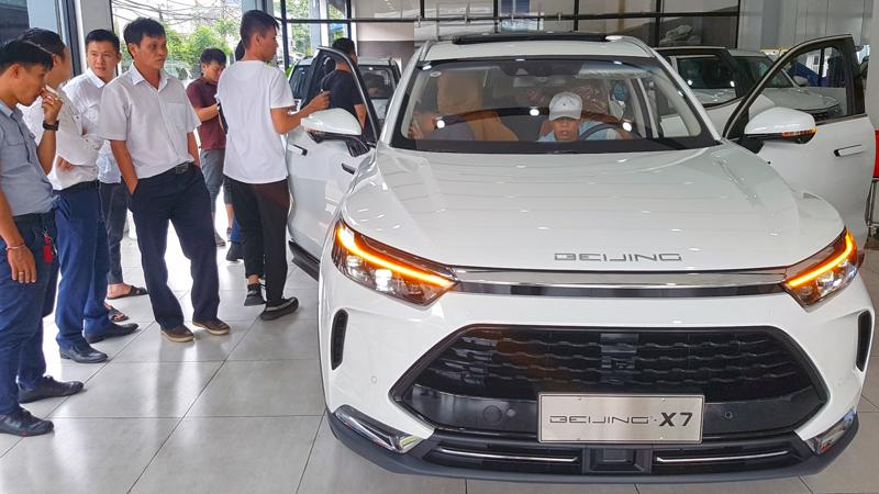 Mẫu xe giá rẻ Beijing X7 nhập khẩu từ Trung Quốc.