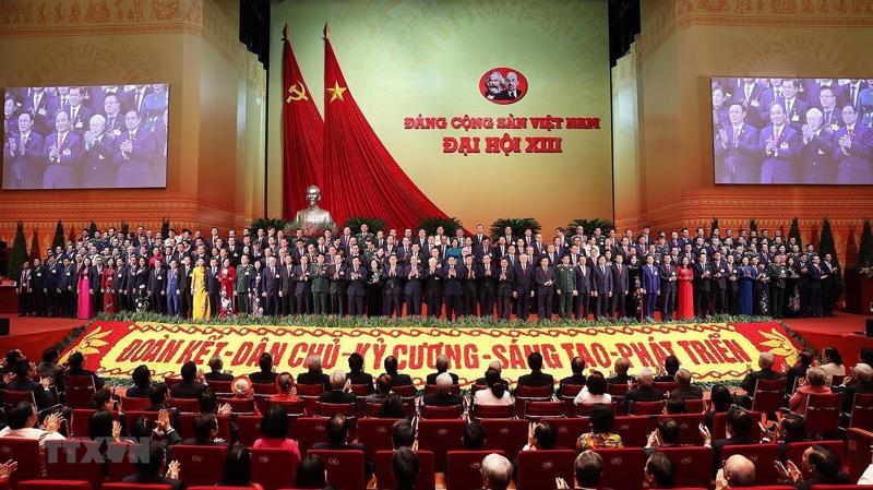 Ban Chấp hành Trung ương Đảng khóa XIII đã ra mắt Đại hội.