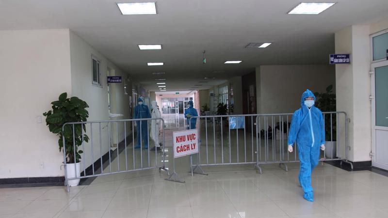 Bệnh viện dã chiến thứ hai của Hải Dương chính thức hoạt động đón bệnh nhân Covid-19 về điều trị. Ảnh - Trung Sơn.