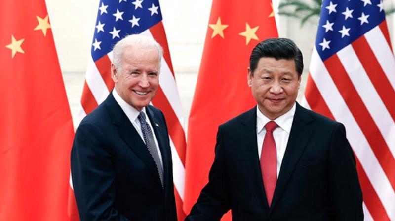 Ông Joe Biden dưới cương vị phó tổng thống Mỹ trong một cuộc gặp với Chủ tịch Trung Quốc Tập Cận Bình vào năm 2015 - Ảnh: AP.