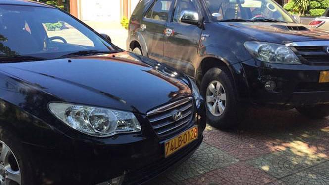 Hiệp hội taxi ba miền đề nghị đối với tất cả phương tiện kinh doanh vận tải quy định nền biển số là màu vàng, chữ và số màu đen.