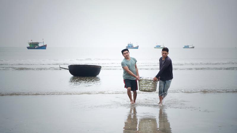 Thủ tướng cũng yêu cầu UBND các tỉnh Hà Tĩnh, Quảng Bình, Quảng Trị, Thừa Thiên Huế tập trung chỉ đạo chi trả hết số tiền hỗ trợ thiệt hại còn lại (khoảng 0,9%) không để phát sinh khiếu kiện.
