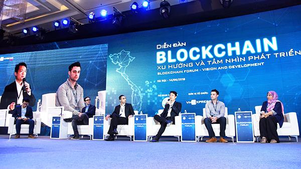 Theo các chuyên gia, Blockchain có 6 lợi ích, trong đó bao gồm tính minh bạch, tính chân thực, giúp tiết kiệm chi phí...