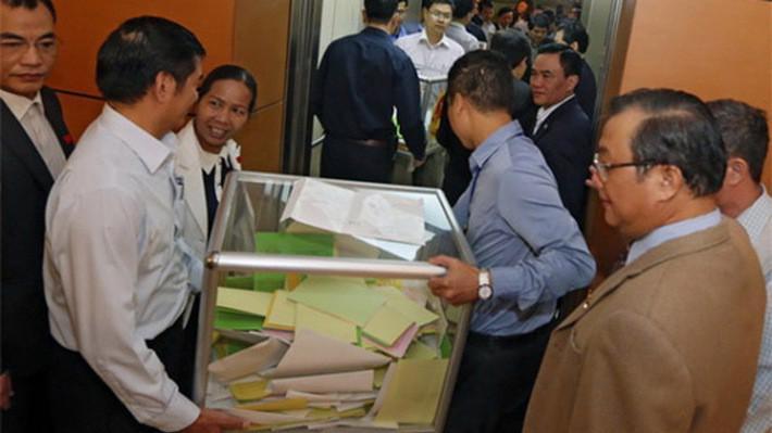 Việc lấy phiếu tín nhiệm với các chức danh Quốc hội bầu và phê chuẩn đã được tiến hành hai lần trong nhiệm kỳ Quốc hội khoá 13.