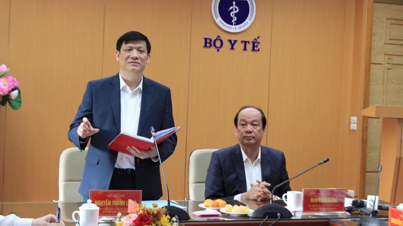 Bộ trưởng Bộ Y tế Nguyễn Thanh Long báo cáo tại buổi làm việc với Tổ công tác của Thủ tướng Chính phủ ngày 17/11.