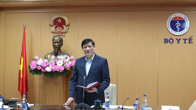 Bộ trưởng Bộ Y tế Nguyễn Thanh Long phát biểu tại cuộc họp sáng 23/12.