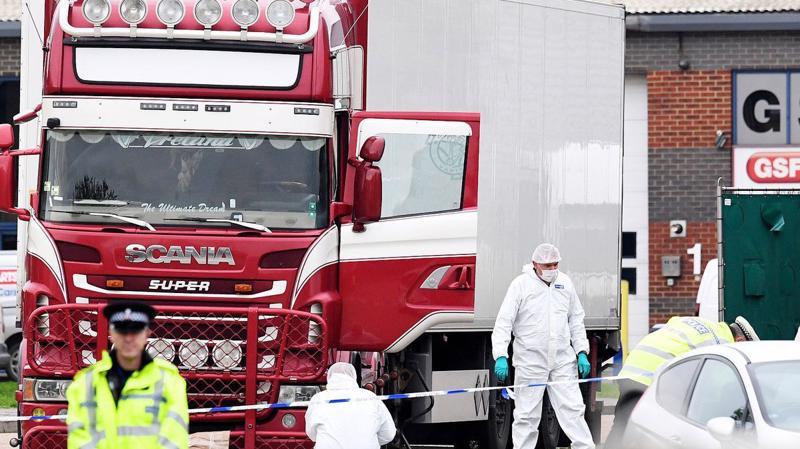 Chiếc xe tải với 39 thi thể bên trong bị phát hiện ngày 23/10 - Ảnh: BBC.