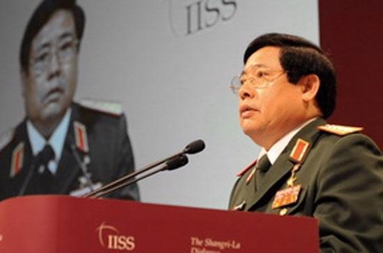 Bộ trưởng Quốc phòng Việt Nam phát biểu tại Đối thoại Shangri-la 10)- Ảnh AFP/TTXVN.