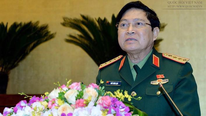 Bộ trưởng Bộ Quốc phòng Ngô Xuân Lịch giải trình ý kiến đại biểu Quốc hội.