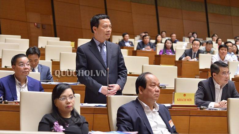 Tân Bộ trưởng Bộ thông tin và truyền thông Nguyễn Mạnh Hùng trả lời chất vấn.