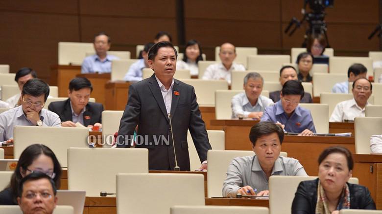 Bộ trưởng Bộ Giao thông vận tải Nguyễn Văn Thể giải trình trước Quốc hội.