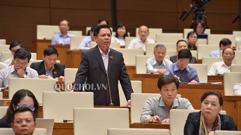 Bộ trưởng Bộ Giao thông vận tải Nguyễn Văn Thể trả lời chất vấn