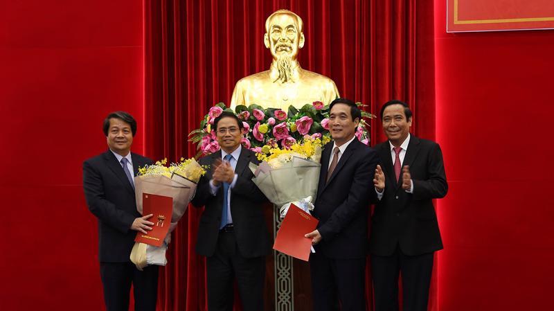 Lãnh đạo Ban Tổ chức Trung ương chúc mừng tân Bí thư Tỉnh ủy Phú thọ Bùi Minh Châu.