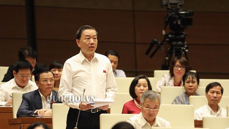 Bộ trưởng Bộ Công an Tô Lâm trả lời chất vấn trước Quốc hội.
