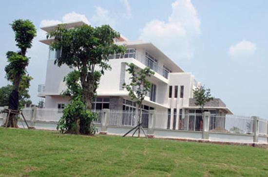 Căn biệt thự nằm trong khu vực bến du thuyền Tuần Châu - Hạ Long.