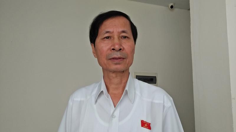 Phó đoàn Đại biểu Quốc hội tỉnh Ninh Bình Bùi Văn Phương đề xuất không nên tăng giờ làm thên. Ảnh - Dương Nhật.