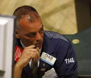 Giá dầu tăng lên 116 USD/thùng là nguyên nhân chính khiến chứng khoán Mỹ tiếp tục giảm điểm- Ảnh: Reuters.