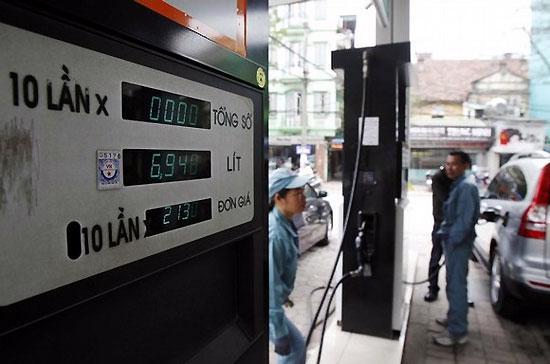 """Theo Chủ tịch Hội đồng Quản trị Petrolimex Bùi Ngọc Bảo, nói tổng công ty này """"lỗ cũng được, lãi cũng được"""" - Ảnh: Reuters."""