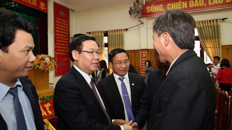 Phó thủ tướng Vương Đình Huệ tại buổi tiếp xúc cử tri của đoàn Đại biểu Quốc hội Hà Tĩnh tại huyện Đức Thọ, ngày 4/12.