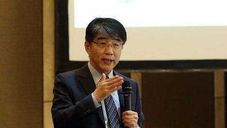 TS.Chang Hee Lee, Giám đốc Văn phòng ILO tại Việt Nam cho rằng, dựa trên bằng cấp càng làm cho hệ thống lương phức tạp hơn.