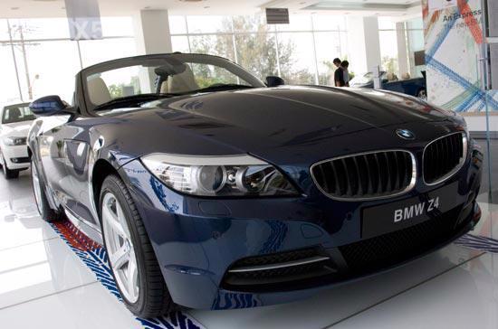 Mẫu BMW Z4 mui xếp được trưng bày tại trung tâm BMW Euro Auto Phú Mỹ Hưng - Ảnh: Đức Thọ.