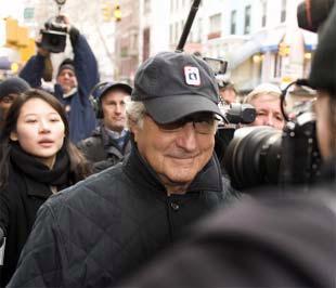 Ông Bernard Madoff trong một lần xuất hiện công khai cách đây 1 tuần - Ảnh: AFP.