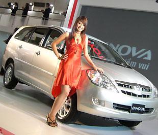 Suốt 32 tháng có mặt tại thị trường, Innova luôn chiếm vị trí số một về doanh số với mức trung bình trên 1.000 chiếc - Ảnh: Đức Thọ