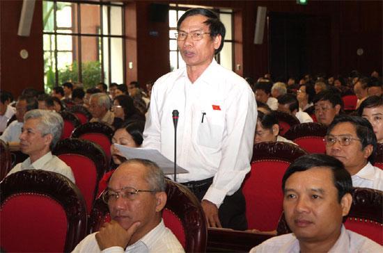"""Đại biểu Trần Tiến Cảnh: """"Tôi thấy những nơi có chỉ số IQ cao thì họ có đường sắt cao tốc, Việt Nam ta cũng có chỉ số IQ cao"""" - Ảnh: TTXVN."""