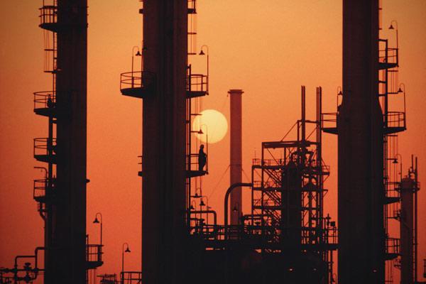 Saudi Arabia có trữ lượng dầu lửa lớn nhất thế giới.