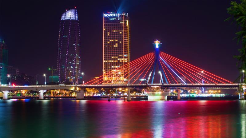 Hoạt động kinh doanh về đêm tại Đà Nẵng được đánh giá là manh mún, thiếu quy hoạch và đầu tư chuyên nghiệp, bài bản.