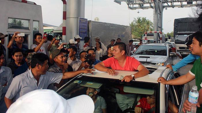 Trạm thu phí Cai Lậy đã từng gặp phản ứng dữ dội của người tham gia giao thông.
