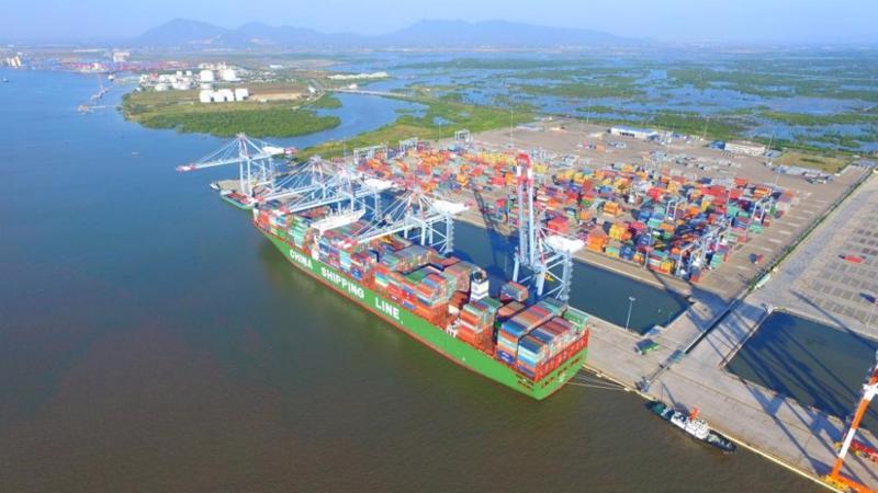 Cụm cảng Cái Mép Hạ hứa hẹn sẽ là địa điểm tập kết hàng hoá xuất nhập khẩu cũng như phát triển mạnh các dịch vụ hàng hải và logistic của cả khu vực kinh tế trọng điểm phía Nam.