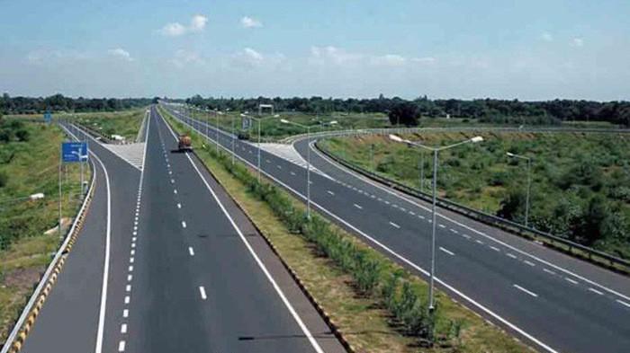 Dự kiến của Bộ Giao thông vận tải là sẽ phê duyệt hồ sơ mời thầu toàn bộ 8 dự án thành phần dự án xây dựng một số đoạn đường bộ cao tốc trên tuyến Bắc - Nam phía Đông khoảng đầu tháng 10/2019.