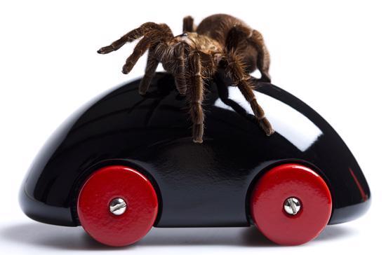 Ôtô dễ dàng bị tấn công bởi virus cũng như các hacker và người sử dụng có thể phải đối mặt với khả năng xảy ra tai nạn - Ảnh: Digital Trends.