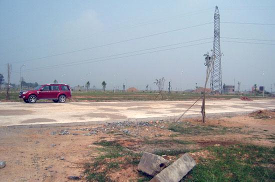 Nguồn cung đất dự án đang được cho là ngày càng khan hiếm nếu như chủ trương cấm chia lô bán nền được thực hiện nghiêm túc.