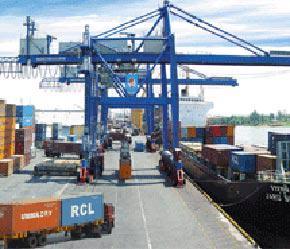 Khi xuất nhập khẩu hàng hoá, thông thường các tổn thất và hư hỏng đối với hàng hoá sẽ xảy ra ở bên ngoài Việt Nam.