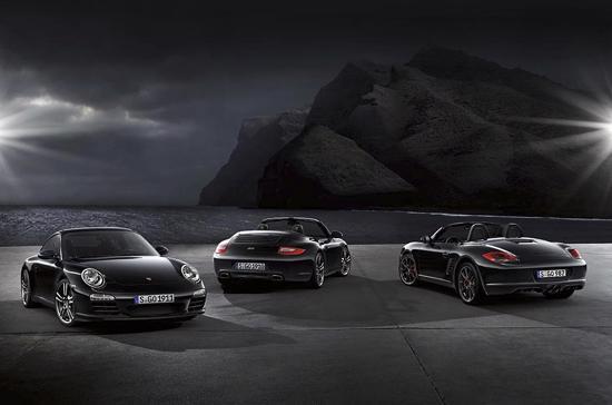 Cả trong lẫn ngoài chiếc Boxster S đều được thiết kế hoàn toàn mầu đen - Ảnh: Porsche.
