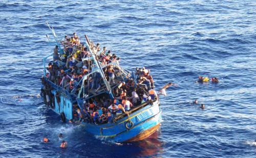 Trong năm nay, việc hàng triệu người di cư, trong đó có nhiều người đến từ Syria, đã khiến hệ thống kiểm soát biên giới của khối Schengen gặp khó - Ảnh: MariTimesNews.<br>