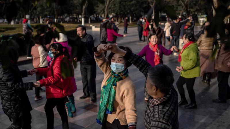 Vào năm 2050, 3 người Trung Quốc sẽ có 1 người cao tuổi - Ảnh: WSJ