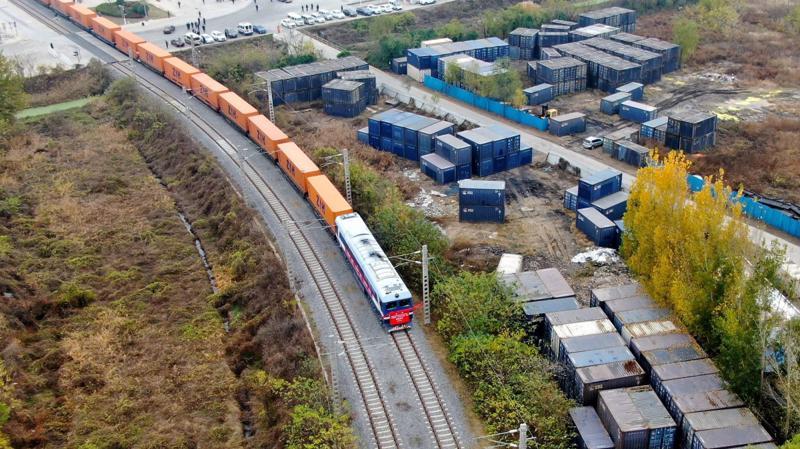 Trung Quốc hiện là đối tác thương mại lớn nhất của EU - Ảnh: SCMP