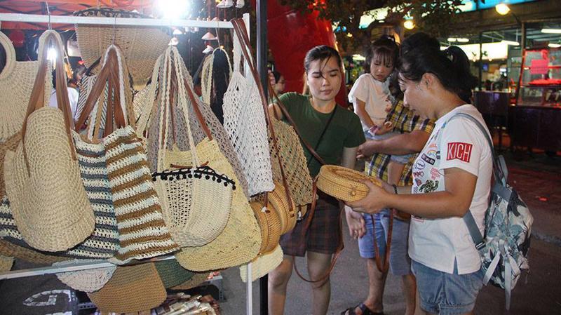 Một góc chợ đêm Đà Nẵng