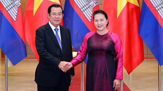 Chủ tịch Quốc hội Nguyễn Thị Kim Ngân hội kiến Thủ tướng Chính phủ Vương quốc Campuchia Hun Sen - Ảnh ĐBND